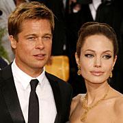 Brad-Pitt-and-Angelina-Jolie-250809.jpg