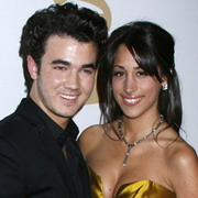 Kevin-Jonas-and-his-wife.jpg