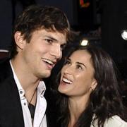 ashtondemi 15951 Ashton Kutcher Desperate to Save Marriage with Demi Moore