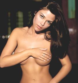 Nude Celebs Shots of Susan Ward