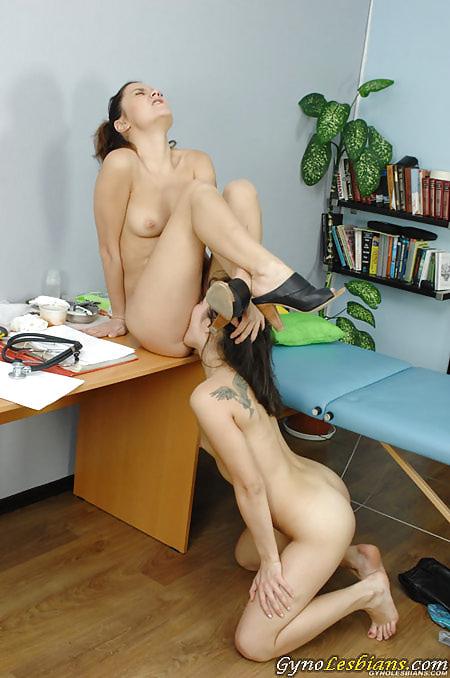 Submissive lesbian babe licks a medical lesdom pussy