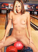 Small Breast, Cindy Crawford