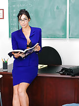 Secretary, Derrick blames Professor Diana Prince for his terrible level because she always appears so sexy in course. Just how can he focus with those extended legs of hers? She doesn't believe he's that wise, but she thinks he must be great for some thing. How abou