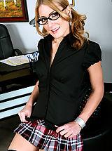 Secretary, Elli Foxx