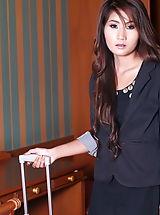 Secretary, Lilly Jung A08, Asiatische Edelnutte Macht Die Beine Breit