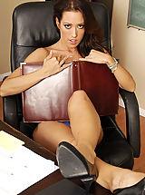 Secretary, Capri Cavanni
