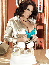 Secretary, Hot Wife w. Large Titties Goldie Blair, Goldie's Rub-out
