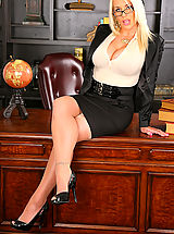 Secretary, Pussy Pics of Sadie from Big Tits Boss
