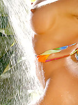 Big Nipples, Ahmo Hight in Gym Freak Blonde in Bikini got Hot Shower