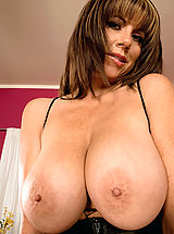 Big Nipples, Angelina Verdi
