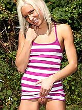 Upskirt, Kacey jordan 01 real pussy picnic