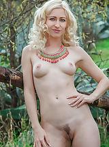 Public Nudity, Yresoni
