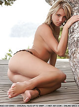 Public Nudity, Bydolo