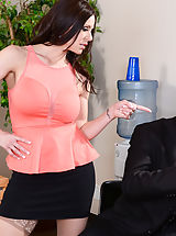 Sexy Legs, Kendra Lust goes down on the associate for calling her a diverse. She tells him off and makes fun of him for not really having the ability to get a woman. Her colleague see's this as a challenge and shows Kendra which he can get any woman he desires...inc