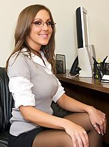Sexy Legs, Kiera strips and gets fucked right in her bosses office