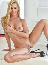 Sexy Legs, Orgasmic Toys