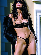 Sexy Legs, Julie Strain in black on a hot desert resort, cum join her for meditative relaxation and massage.