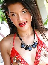 Micro Bikini, Undressed Oriental Babe Yo Sung Hi 03 Crotchless Panties Red String Bikini