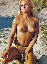 Bikini, Retro Chicks