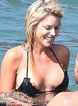Micro Bikini, Exclusive public downblouse from skilful hunter