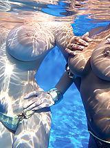 Micro Bikini, Tits Underwater
