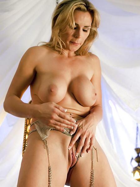 Leslie bibb nude gif