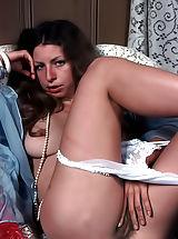 Vintage And Retro, Clasic Women