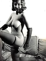 Vintage And Retro, Formerly Forbidden Porn Photos of 1940-1950 - Natural Women Posing Naked and Shaking Boobs - Vintage Porn