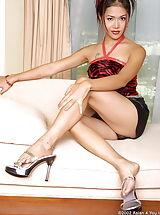 High Heels, Cherry Chen A4y 01, Kleinbruestige Frau Jagt Sich Den Vibrator Bis Zum Anschlag Rein