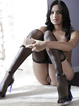 High Heels, Italian Brunette sex tart Giselle Mari could not wait to get sucked and fucked with her black panty hose. We had to get a taste of that pink honey before stuffing her young tight-fitting fotze with cock. Giselle kept her hose with only her tiny hole expos