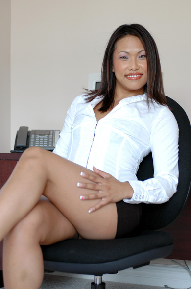 Veronica Lynn in Office Sex Encounters