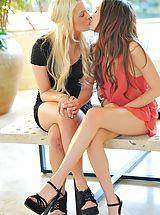FTV Girls, Cassie and Chloe lesbian fun