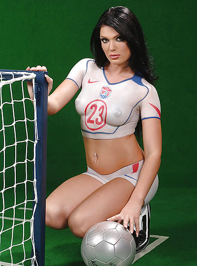 eroticheskie-bolelshitsi-futbola-foto