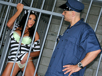 Audrey bitoni as a busty prisoner