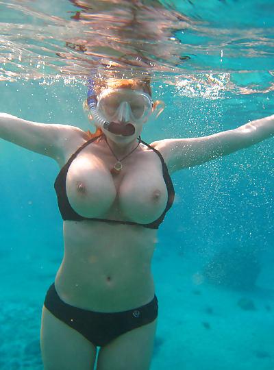 голая в воде фото
