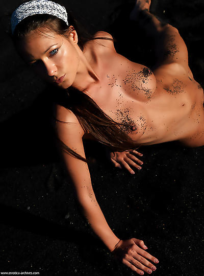 Erotic Stories of Melisa in Black sand Pictorial